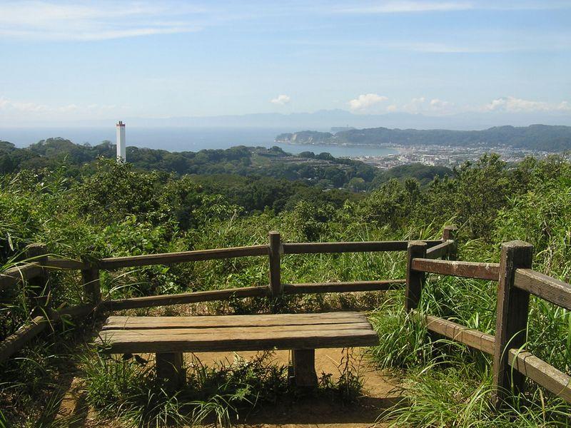 パノラマ台より、相模湾、江ノ島、箱根、富士山を望む。