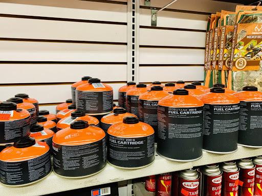 海外のガス缶の写真